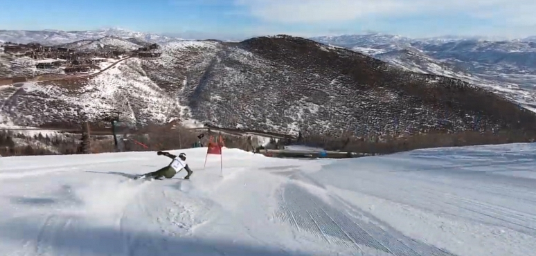 Watch Ted Ligety smash perfect turns through gates